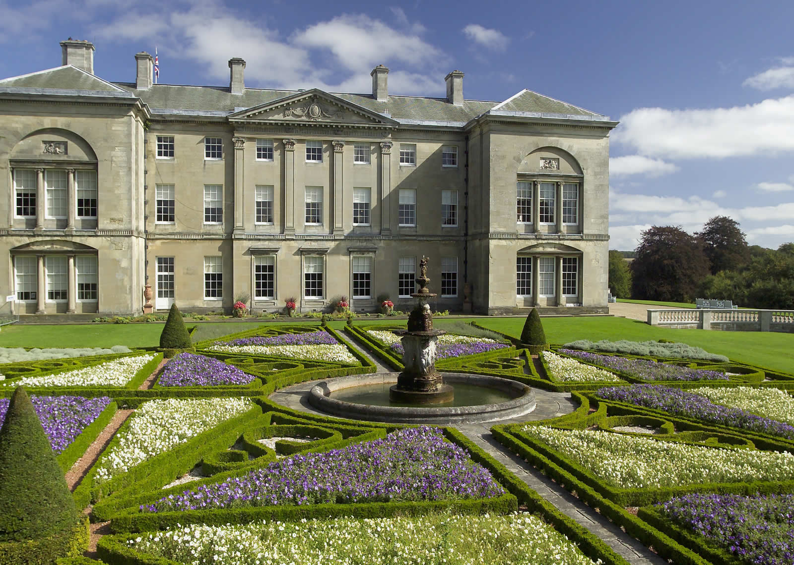 Sledmere House - Attraction - Bridlington - East Riding Of Yorkshire