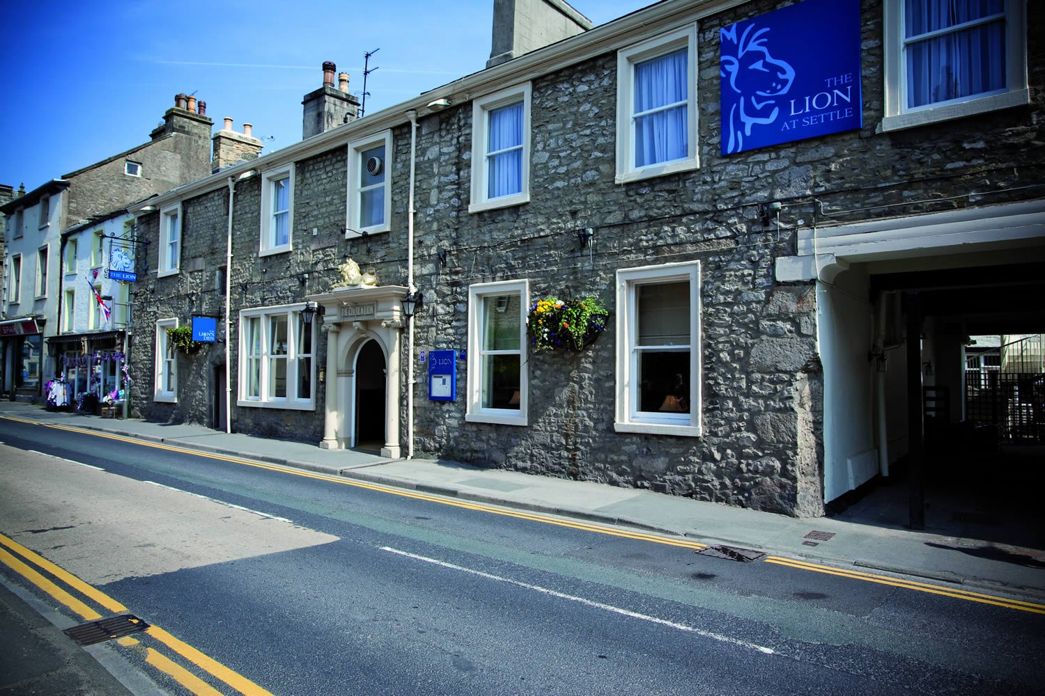 The Lion At Settle - Accommodation - Settle